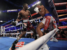 #BoxingResults: Terence Crawford stops Thomas Dulorme in Round 6