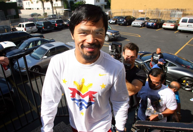Pacquiao_media_day_111026_003a
